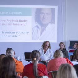 Internationaer Gefängnisyoga – Workshop am 3.10.2014 mit Dieter Gurkasch, Katrin Funke und Livia Gurkasch
